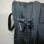 TUMIの鞄の破れ修理