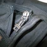 TUMIのバッグのファスナー修理