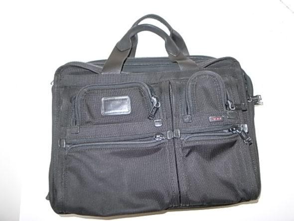 TUMIの鞄修理