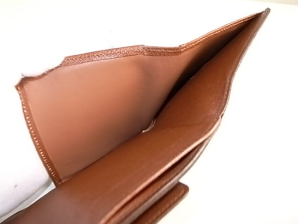 ルイヴィトン財布の内張交換