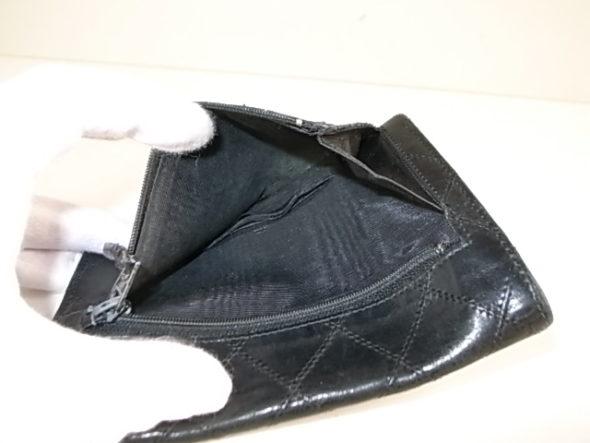 シャネルの財布の内張修理
