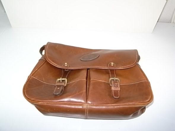 タスティングの鞄修理
