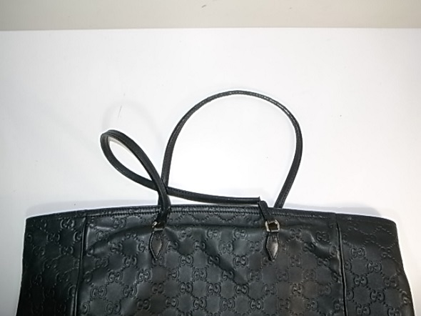 gucciシマのバッグ