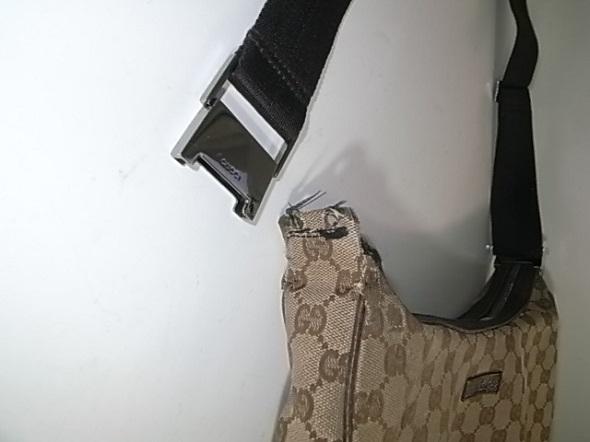 グッチのショルダーバッグの付け根