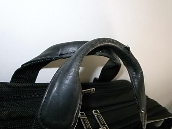 鞄を持つ所の修理