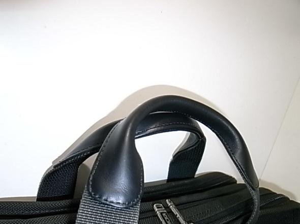 鞄を持つ所の革交換