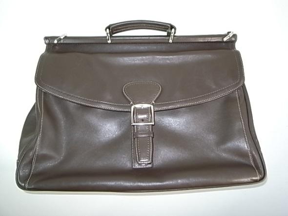 コーチの濃茶の革鞄
