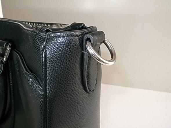 バッグの革切れ修理