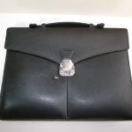 ダンヒルの黒いビジネス鞄