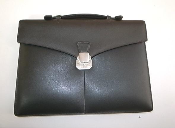 修理後のダンヒル鞄