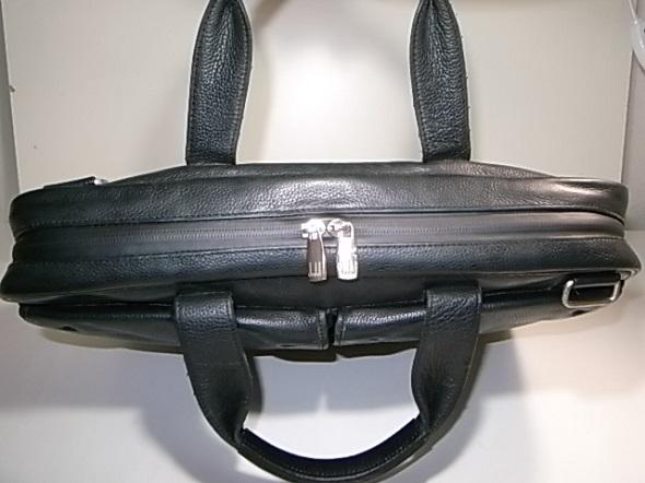 ファスナー修理をした鞄