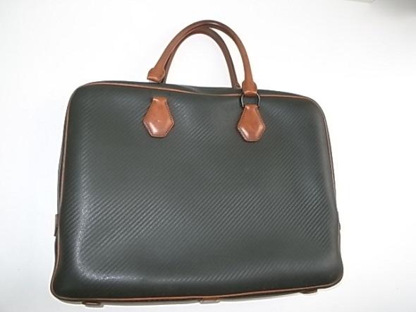 ダンヒルの鞄全体