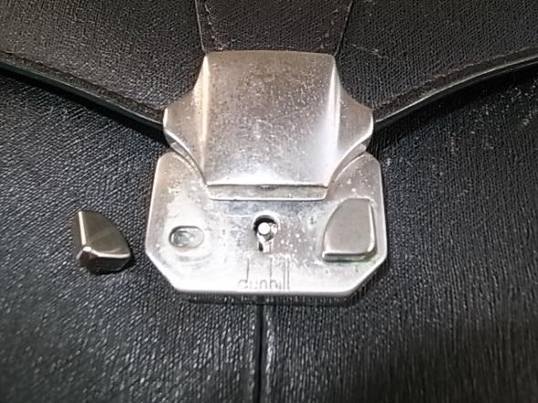 鞄のロック部分