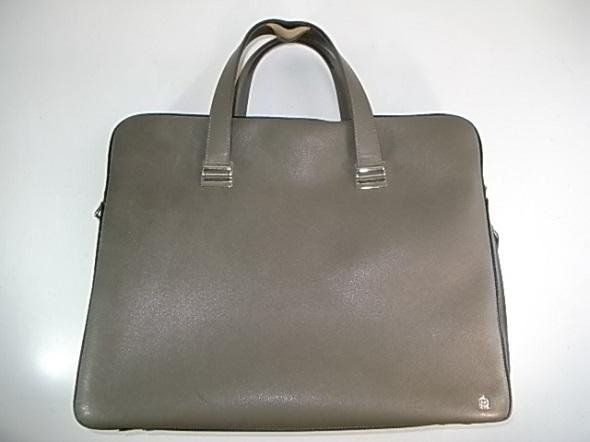 ダンヒルのグレーの鞄