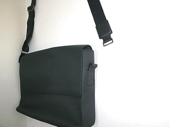 ダンヒル鞄のショルダーベルト修理