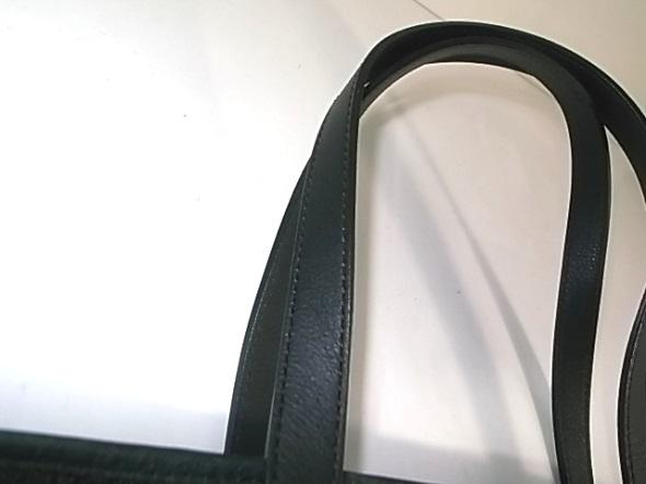 バッグの持ち手の革質