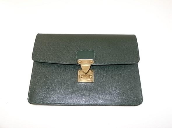 ヴィトンのタイガのバッグ
