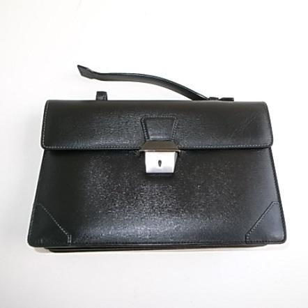 ダンヒルの黒い革鞄