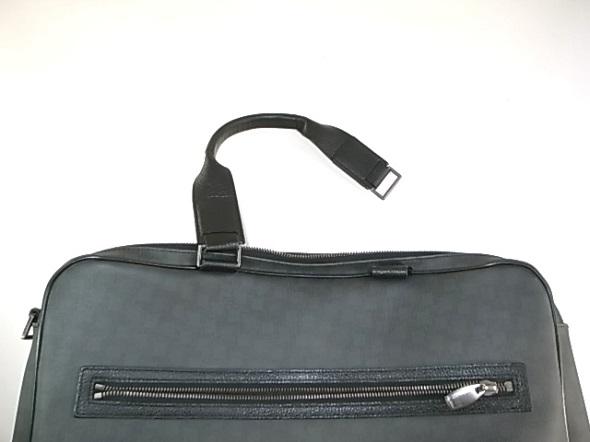 ダンヒルの黒い鞄