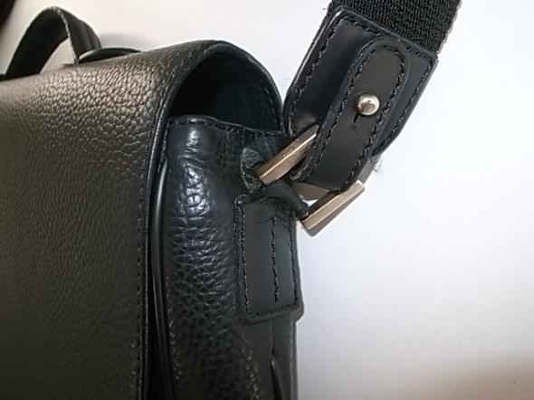ダンヒルの肩がけ鞄