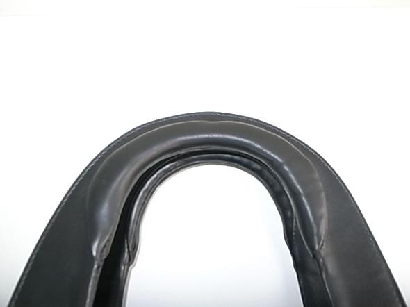 鞄のハンドルの革の質感