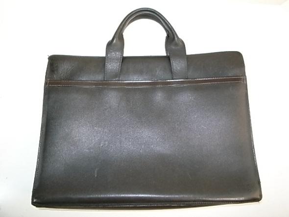 ダンヒルの濃茶の鞄