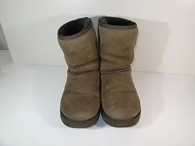 UGGの濃茶のブーツ