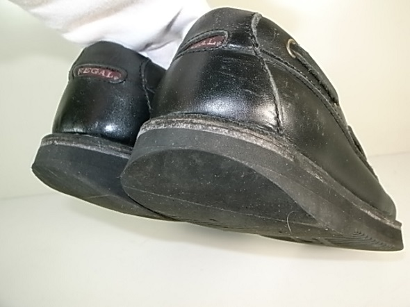 靴のかかとの削れ