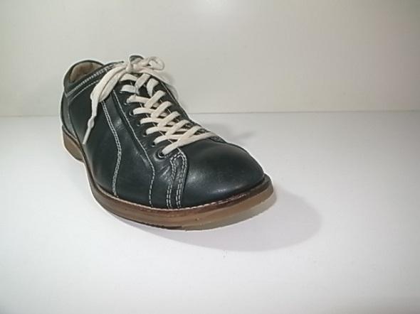つま先修理後の靴全体