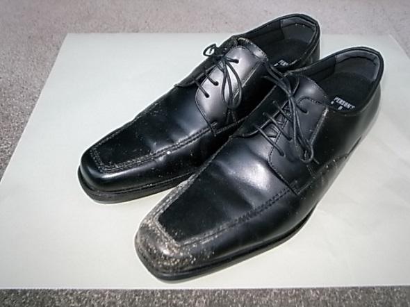 革靴に発生したカビ