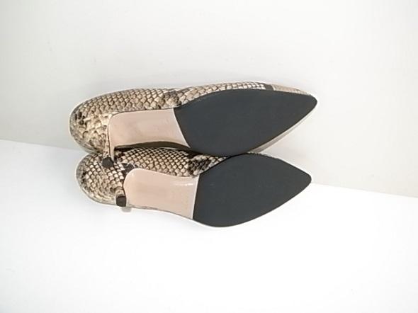 靴のソールをラバーで補強