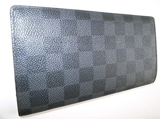 ダミエグラフィットの長財布