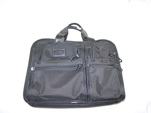 TUMIのビジネス鞄