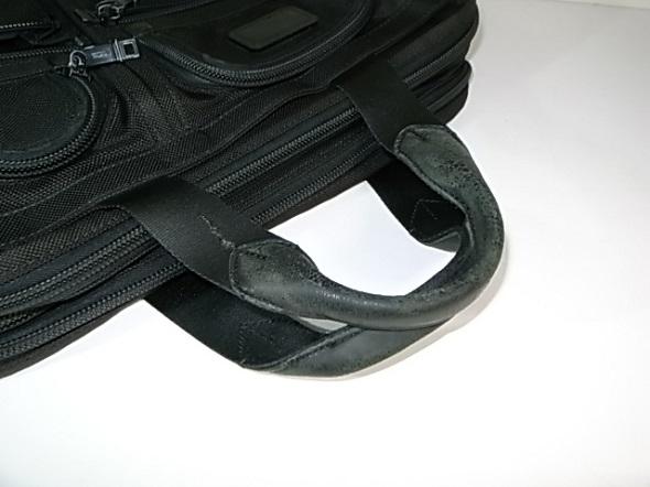 TUMI鞄の持ち手の状態