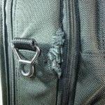 鞄の横のナイロンほつれ