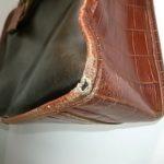 鞄の角の修理