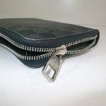 閉まらない財布のファスナー