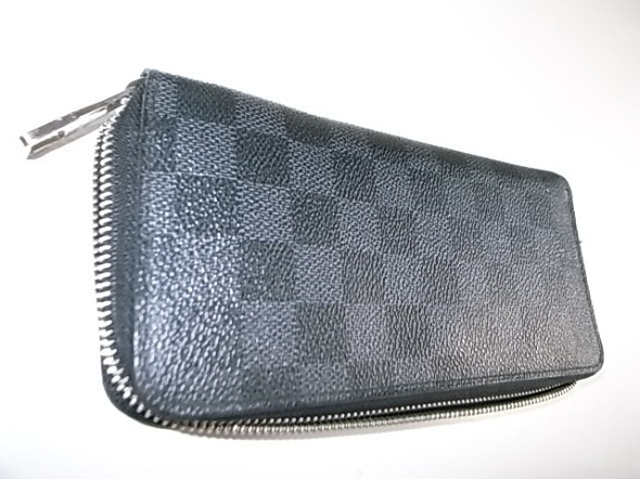 ダミエグラフィットの財布
