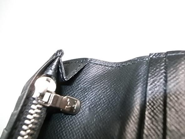 財布の糸ほつれ縫い直し