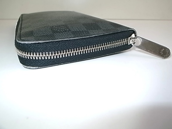 ファスナー修理をした長財布