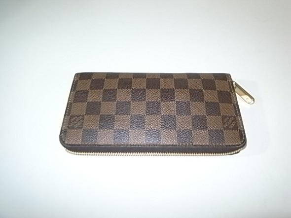 ヴィトンダミエの長財布