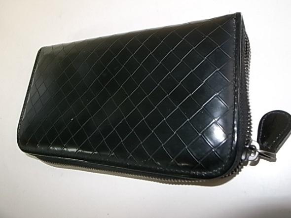 ボッテガヴェネタの長財布
