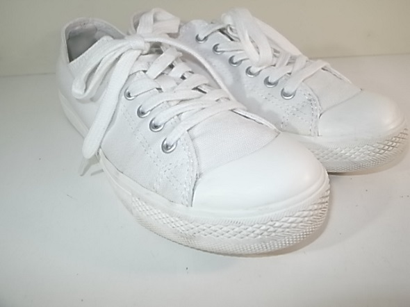 白い靴のクリーニング後