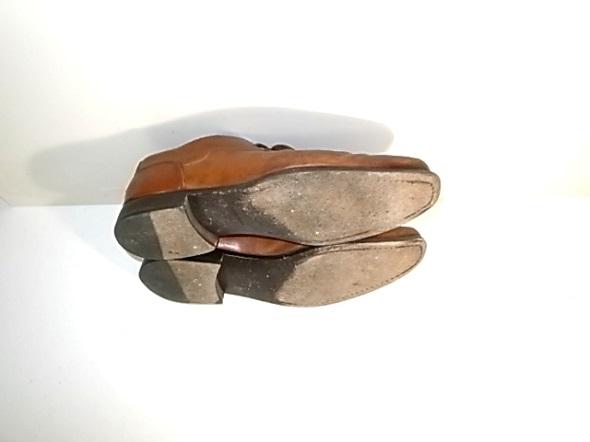 靴のソールの擦り減り
