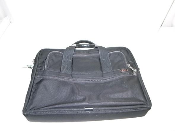 TUMIのナイロン鞄