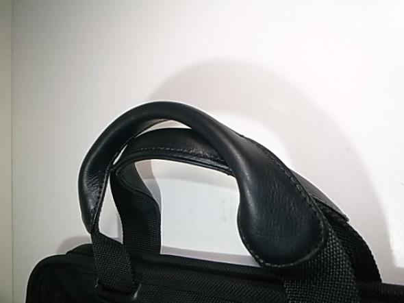 鞄のハンドル革取り替え