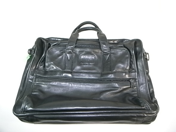 TUMIの革鞄