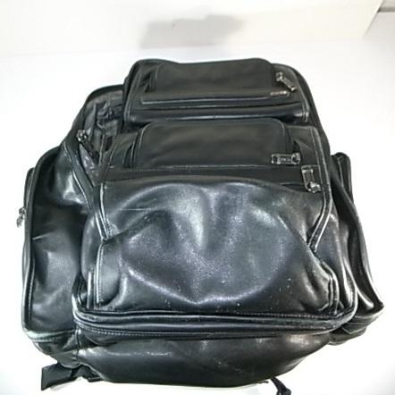 TUMIの革のバックパック