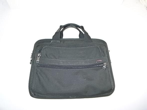 TUMIのビジネス用鞄