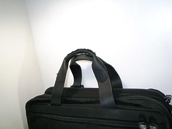 TUMIの鞄の取っ手